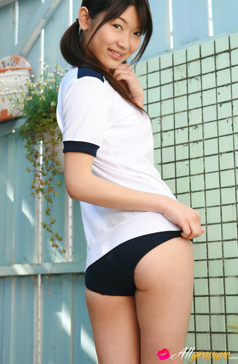 Japan girl sports pussy — photo 11