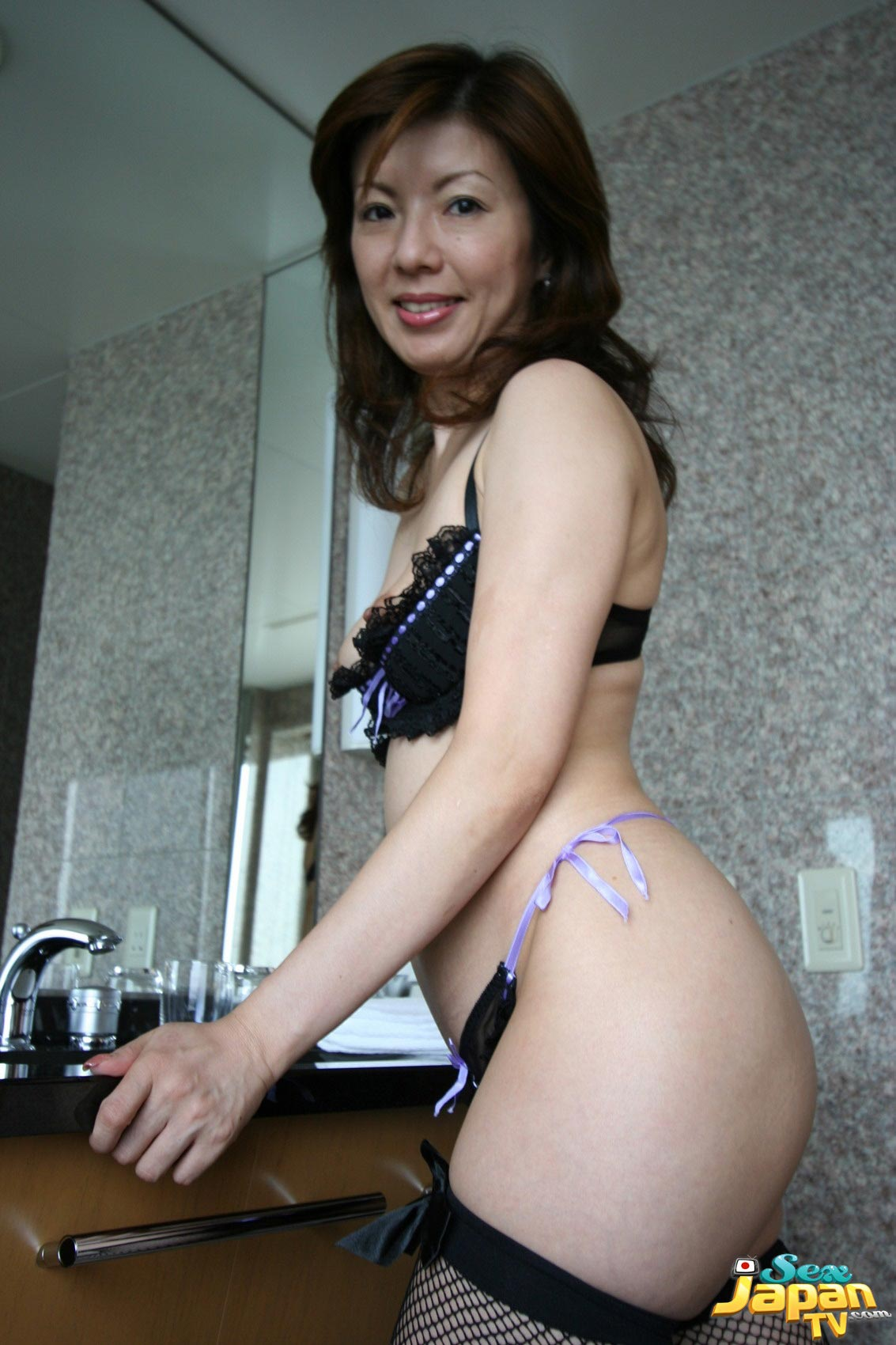 Babe milf japanese girls without panties