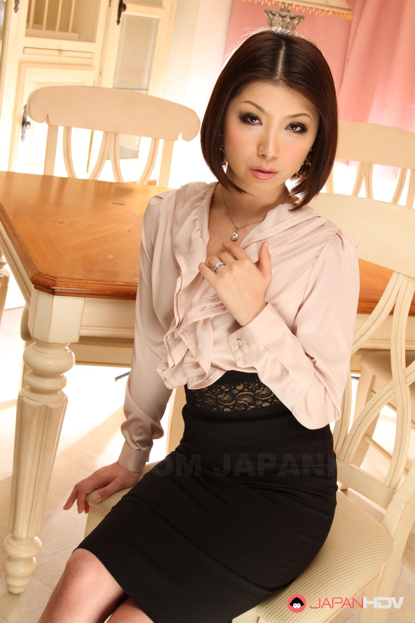 Classy Japanese - This classy Japanese porn lady Tsubaki is hot