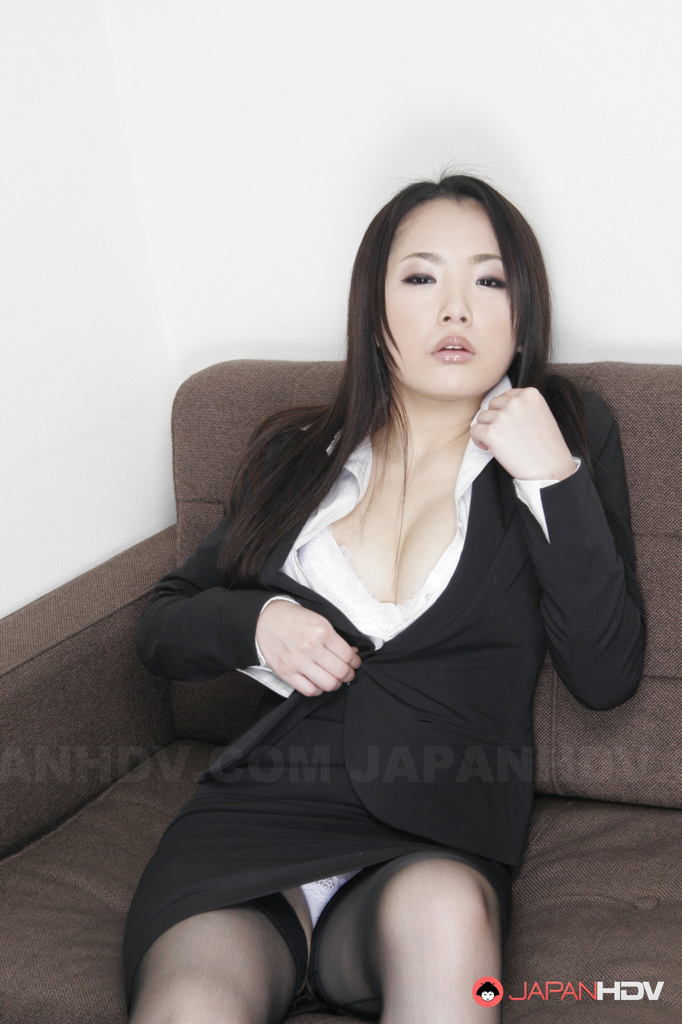 Ai Hot Asian Teen Shows Off Her Hot Pussy